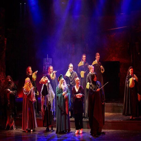 Спектакль «Школа магии» в театре «Буфф»