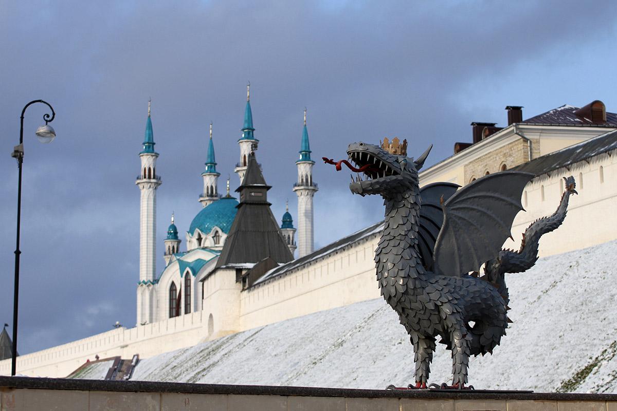 В Казань Кубок Гагарина может привезти и Ак Барс. Как Зарипов показывал трофей в Дюм-Дюме