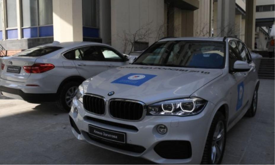 Олимпийским чемпионам и призерам Игр в Токио вручили машины BMW. Фото: Autostat